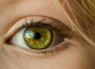 wylew w oku