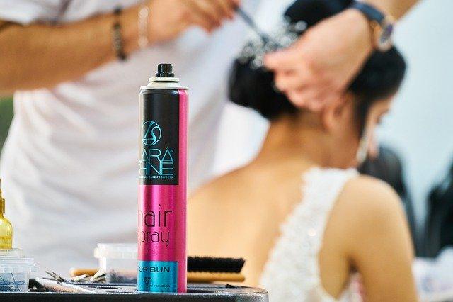 Produkty do modelowania włosów - czym się różnią?