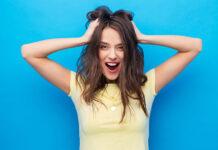 Sposoby na suche i zniszczone włosy – cenne porady