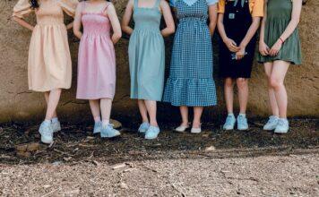 sukienki młodzieżowe
