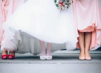 Klasyczne sukienki na wesele